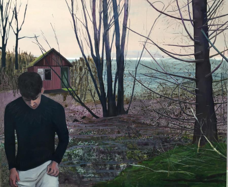 ung mand går væk fra hytte med bøjet hoved
